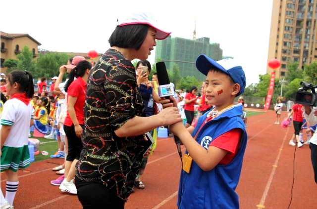 相信梦想,足够精彩——新华小记者走进青园中信首届校园足球文化节